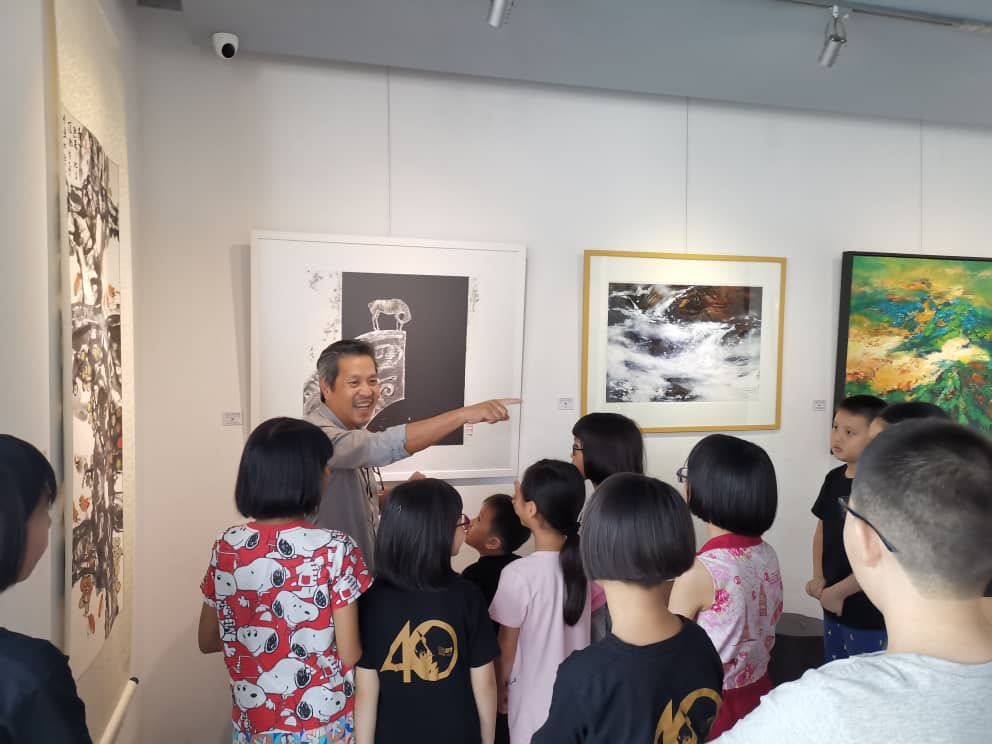Guided tour by Mr Goh-1